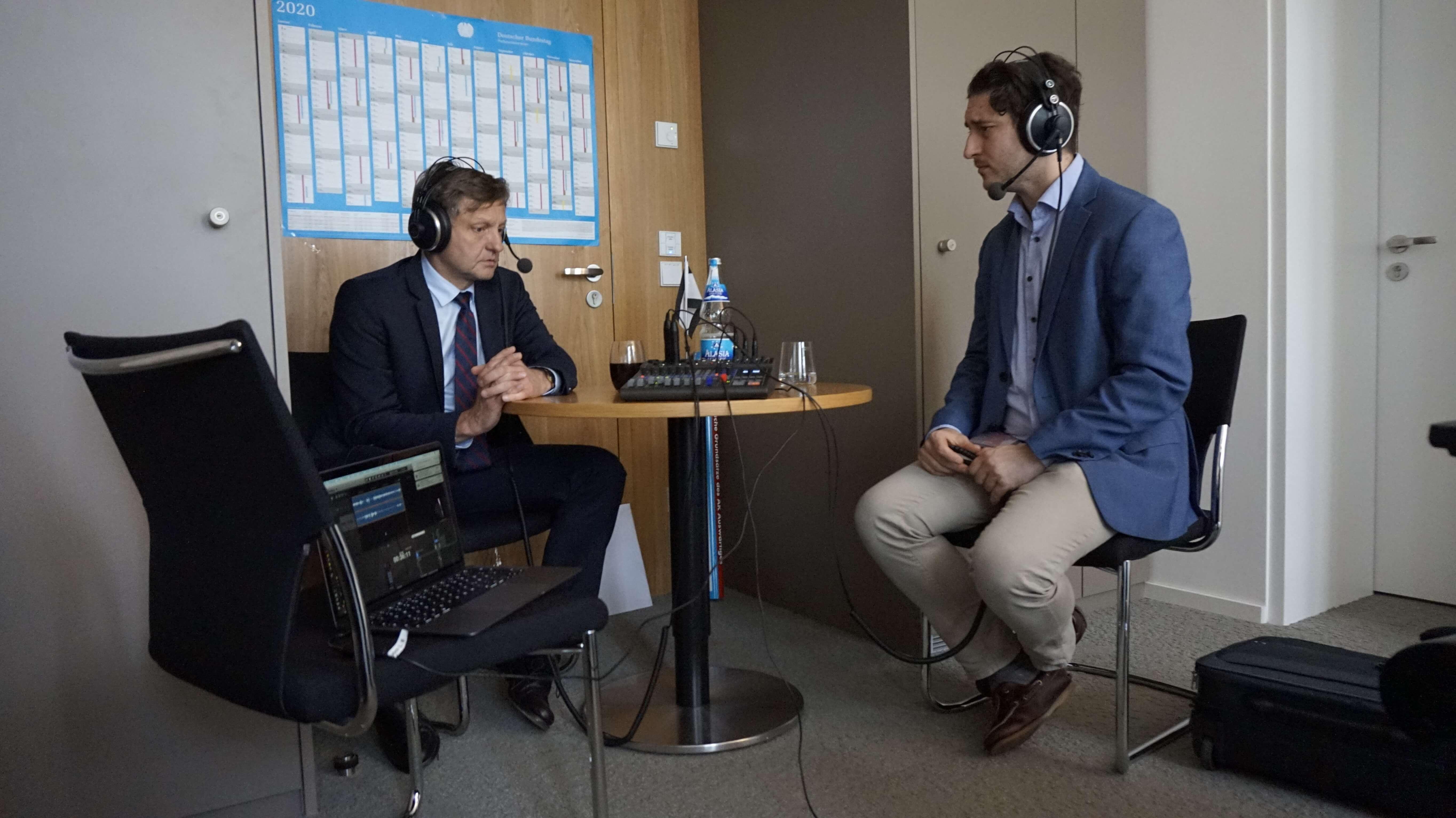 Kay Gottschalk (AfD) im Gespräch mit Patrick Pehl